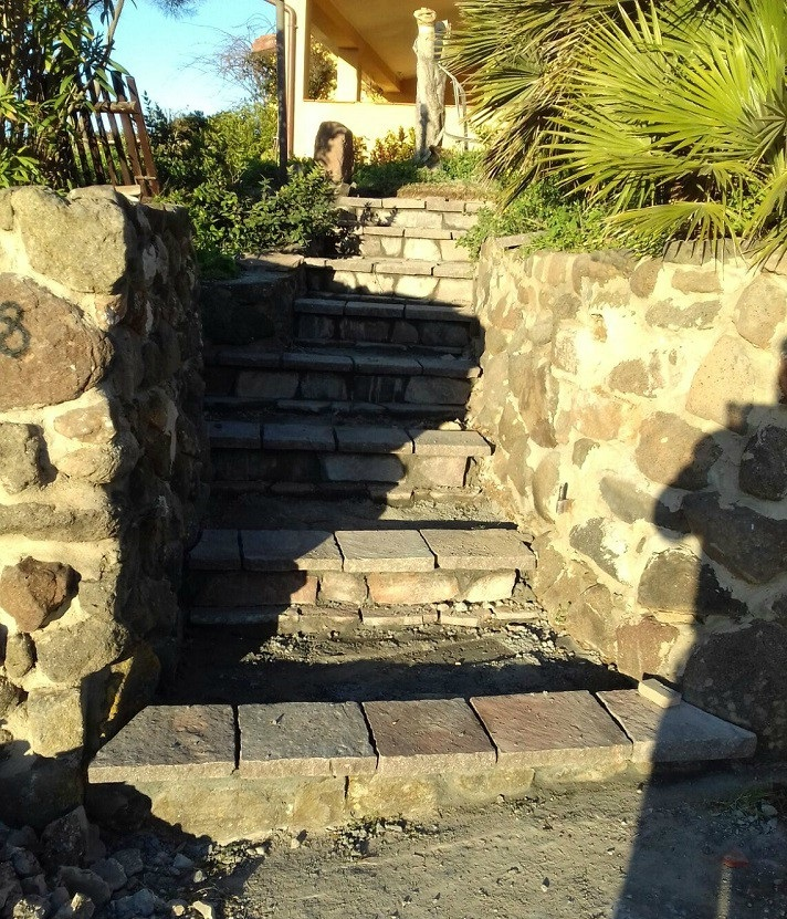 realizzazione-scalinata-in-pietra-edilizia-bruno-caredda